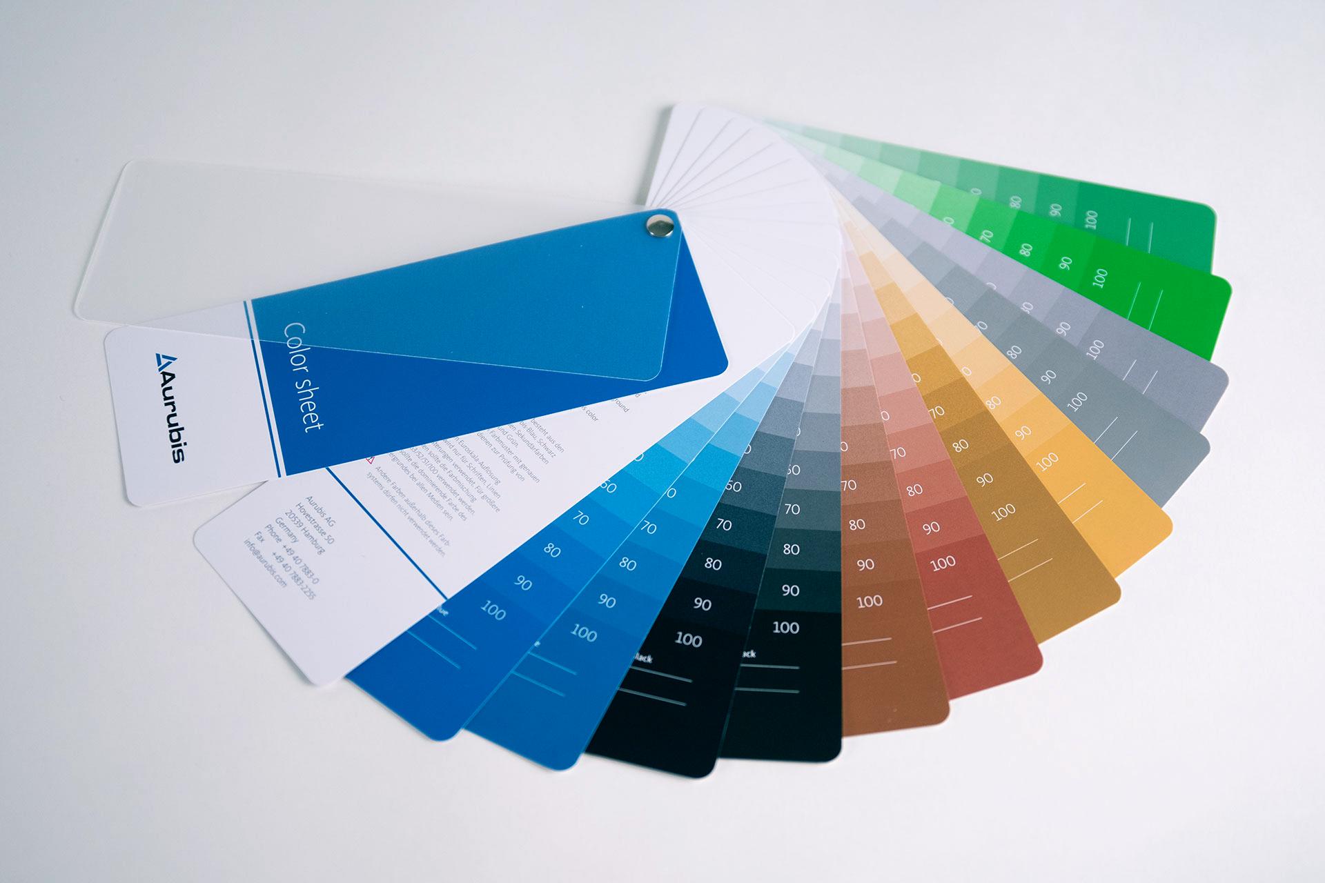 Corporate Design für Aurubis, Beispiel Farbmusterkarten